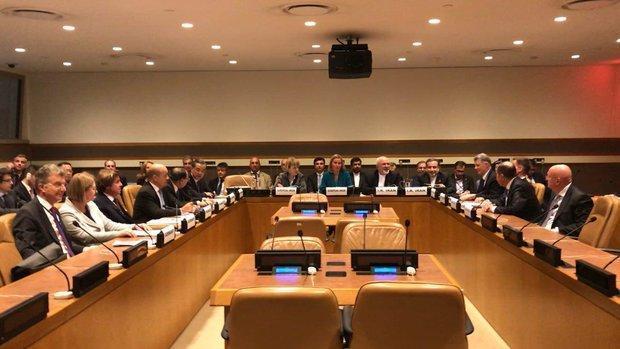 نشست وزیران خارجه ایران و گروه 1+4