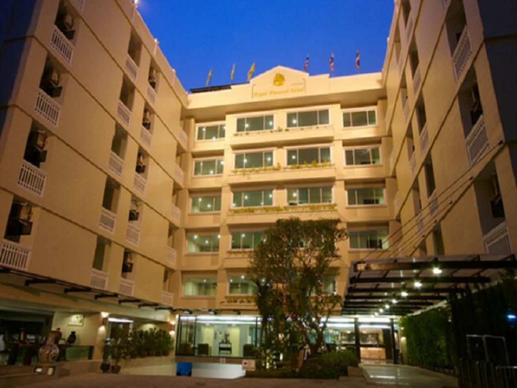 هتل 3 ستاره رویال پانرای چیانگ مای