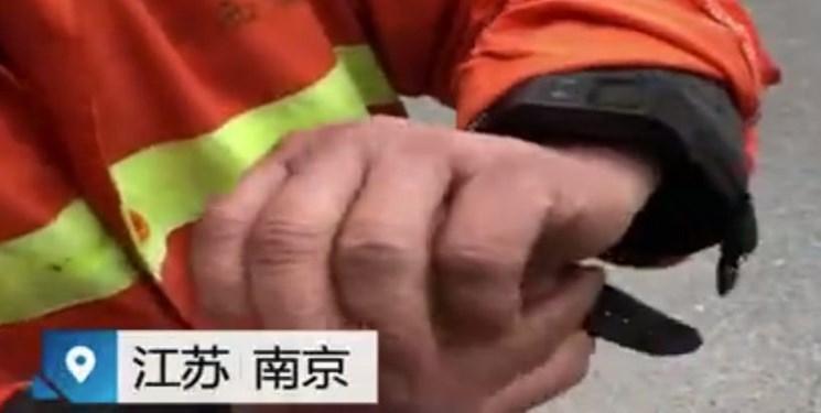 کنترل بهره وری رفتگران چینی با مچ بند هوشمند
