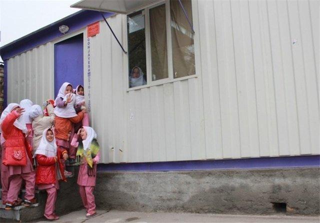 ارسال 50 کانکس برای تشکیل کلاس های درس در مناطق سیل زده گلستان