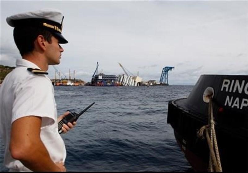 ایتالیا برای قربانیان حادثه کشتی حامل مهاجران مراسم خاکسپاری برگزار می نماید