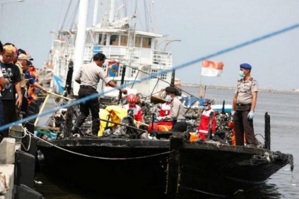 آتش سوزی در قایق توریستی مالزیایی 23 کشته برجا گذاشت