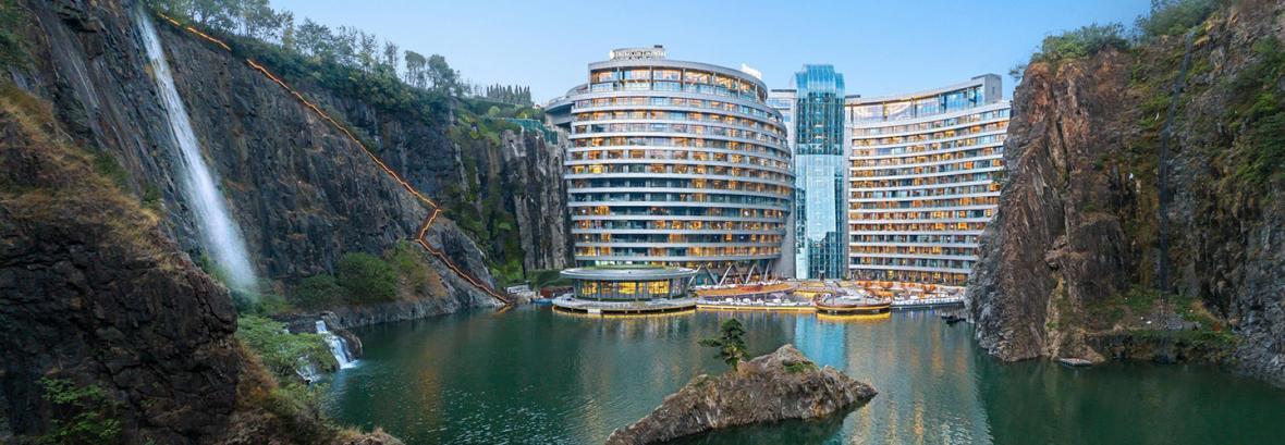 فیلم│ افتتاح اولین هتل زیرزمینی جهان در شانگهای چین│اقامت در معدن قدیمی سنگ