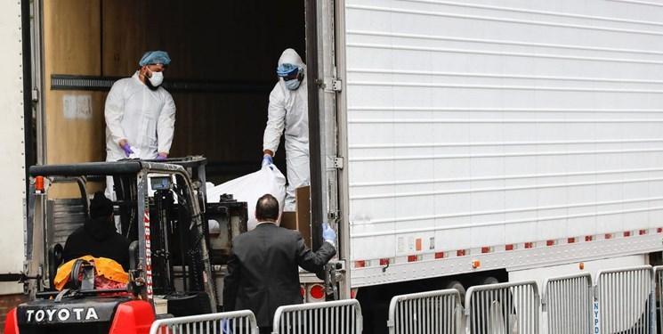 استفاده از کامیون های یخچال دار در منهتن برای نگهداری اجساد قربانیان کرونا