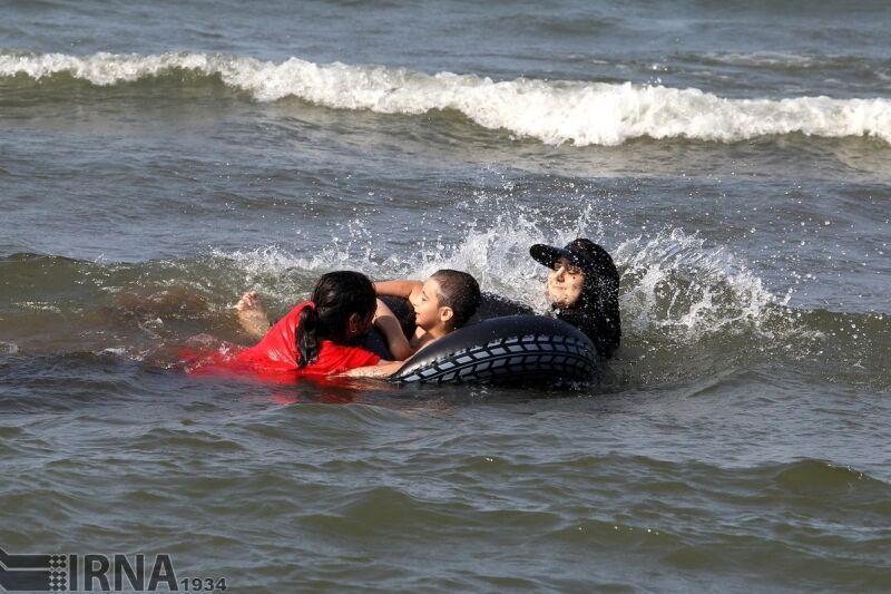 خبرنگاران جسد نوجوان غرق شده در رودخانه الموت شرقی کشف شد