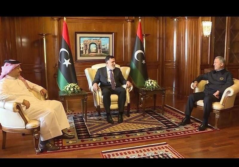 نشست وزیر دفاع ترکیه با نخست وزیر لیبی و همتای قطری خود در طرابلس