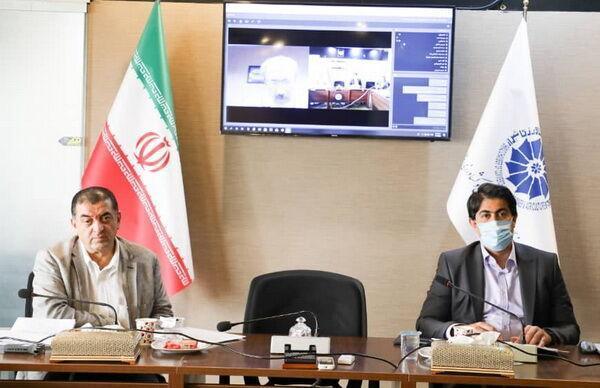 خبرنگاران اتاق بازرگانی شیراز: فراوانی بخشنامه های بانکی صادرات را به تعطیلی می کشاند