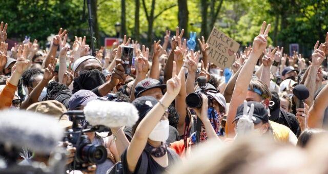 اعتراضات ضد نژاد پرستی در آمریکا ادامه دارد