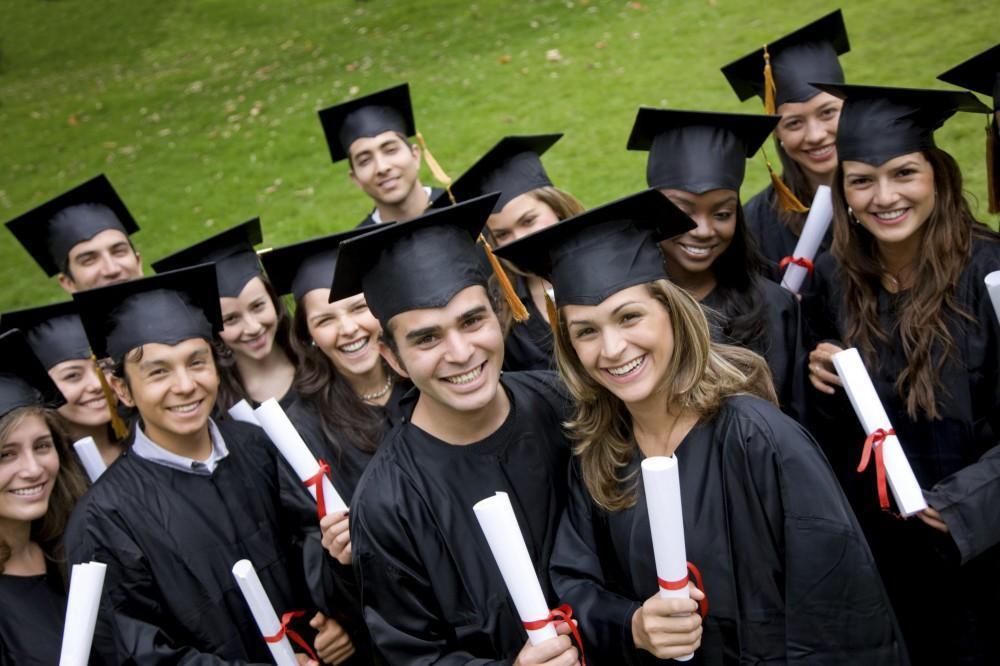 رشته های ارائه شده در مقطع لیسانس دانشگا های کانادا