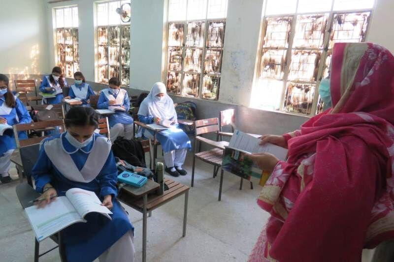 بازگشایی مدارس پاکستان پس از 6 ماه