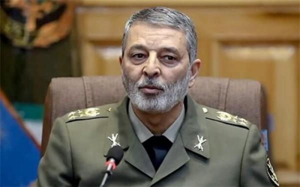 فرمانده کل ارتش: رزمایش اقتدار نزاجا بیانگر مهارت های نیروی انسانی بود