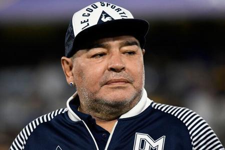 ساخت تندیس مارادونا در برزیل