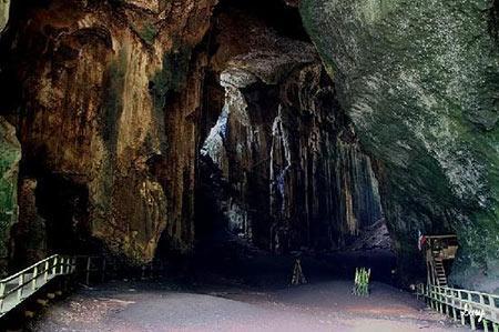غار گومانتونگ، مکانی وحشتناک در مالزی